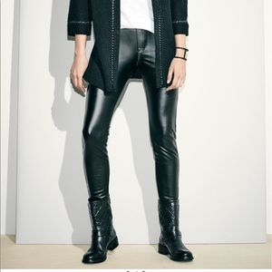 HUE black faux leather leggings